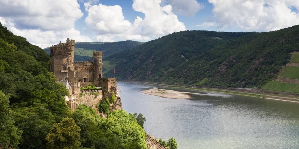 kasteel langs de rijnfietsroute